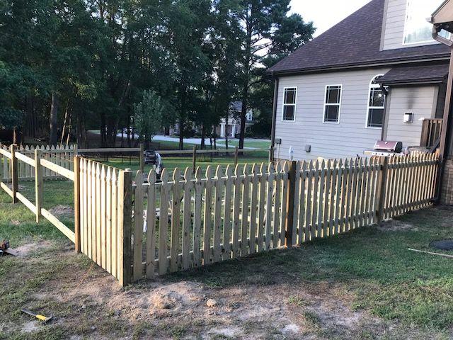 Gothic Picket Fence Slide 5
