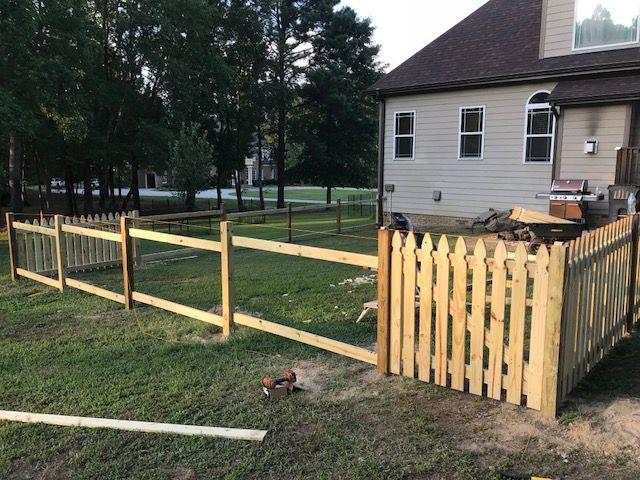 Gothic Picket Fence Slide 6